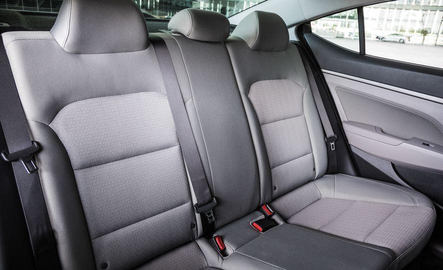 2017 Hyundai Elantra Eco - Slide 17