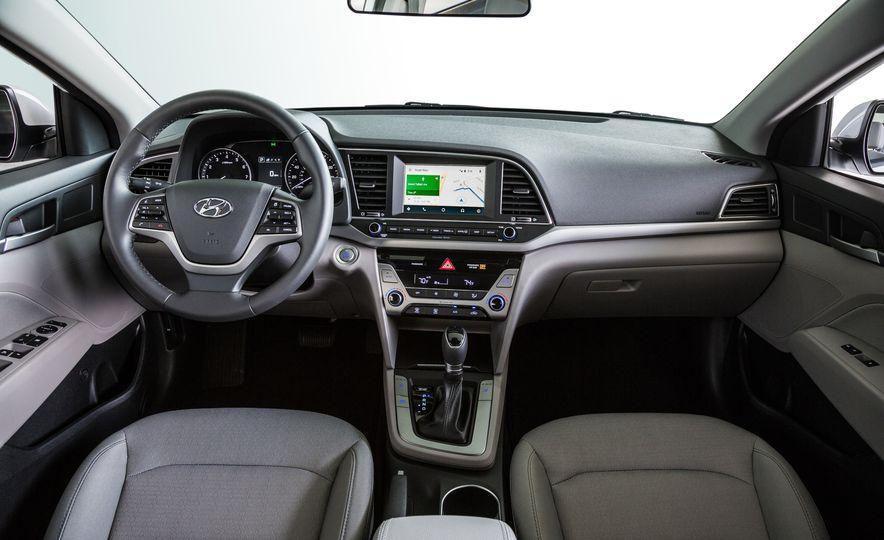 2017 Hyundai Elantra Eco - Slide 18