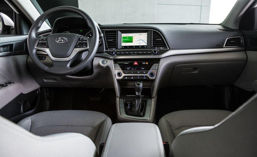 2017 Hyundai Elantra Eco - Slide 19
