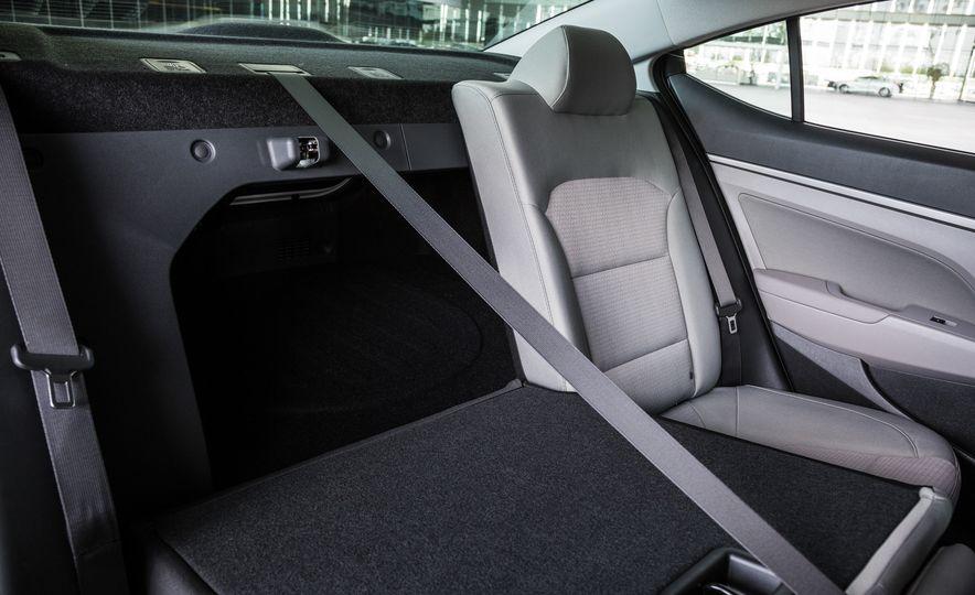 2017 Hyundai Elantra Eco - Slide 20