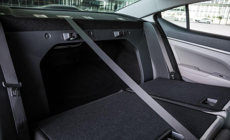 2017 Hyundai Elantra Eco - Slide 21