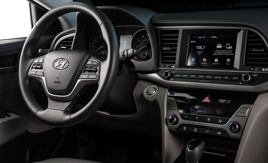 2017 Hyundai Elantra Eco - Slide 22