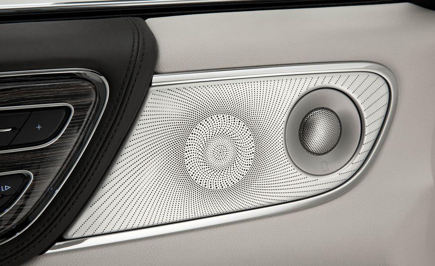 2017 Lincoln Continental - Slide 18