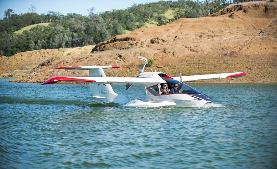 ICON A5 Amphibious Light Sport Aircraft - Slide 2