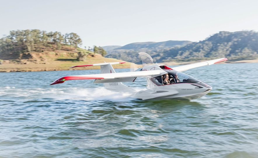 ICON A5 Amphibious Light Sport Aircraft - Slide 4