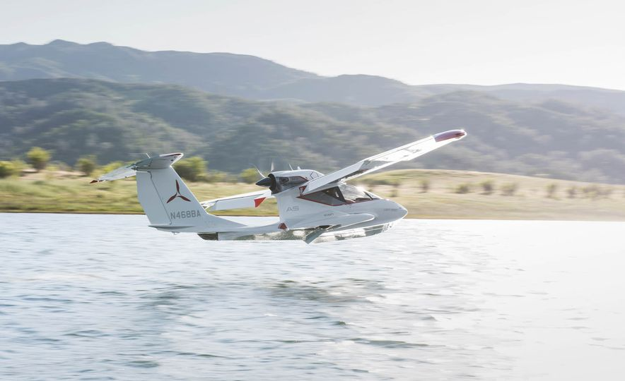ICON A5 Amphibious Light Sport Aircraft - Slide 9