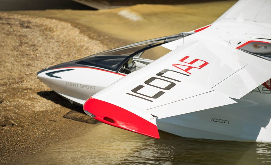 ICON A5 Amphibious Light Sport Aircraft - Slide 21