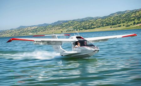 We Go for a Flight in the Amphibious Icon A5 Airplane