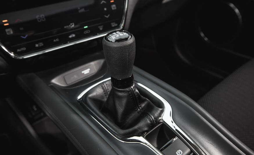 row     crossovers  suvs       manual transmission