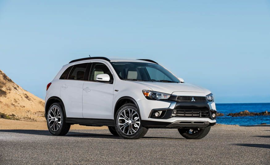 Row Your Own: The 12 Crossovers and SUVs You Can Still Get with a Manual Transmission - Slide 4