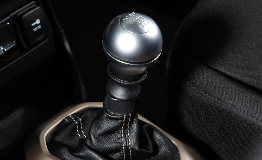 Row Your Own: The 12 Crossovers and SUVs You Can Still Get with a Manual Transmission - Slide 7
