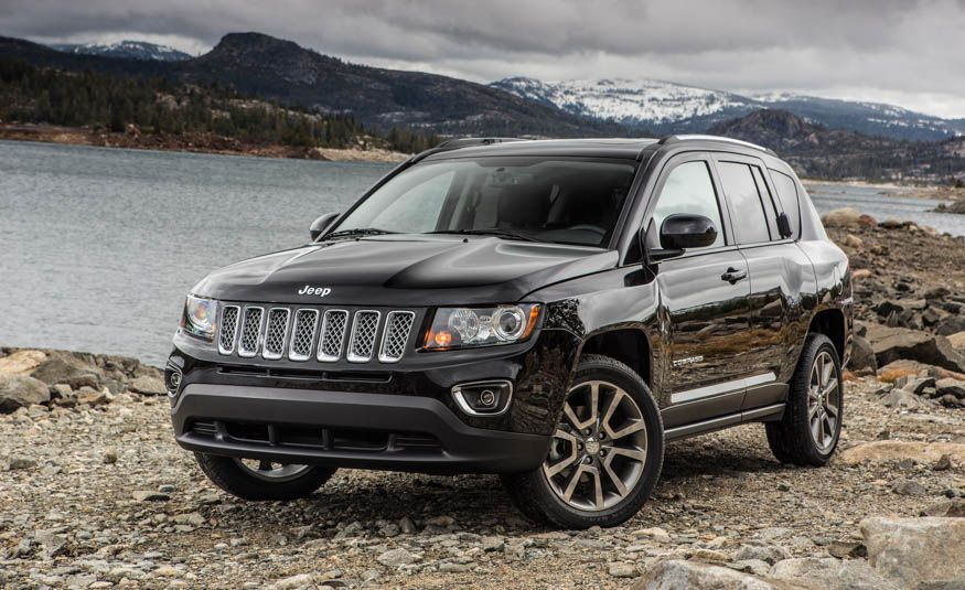 Row Your Own: The 12 Crossovers and SUVs You Can Still Get with a Manual Transmission - Slide 18