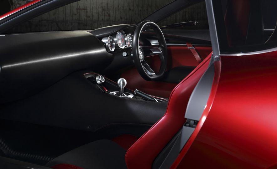 Mazda RX-Vision concept - Slide 5