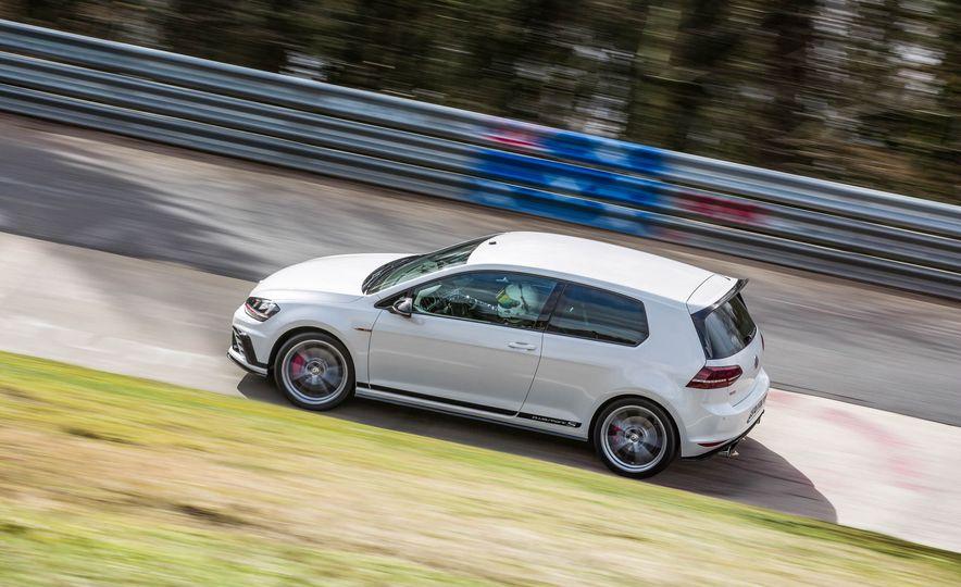 Volkswagen GTI Clubsport S (Euro-spec) - Slide 6