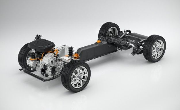 "Volvo's Latest ""Twin Engine"" Plug-In Hybrid Powertrain Explained"