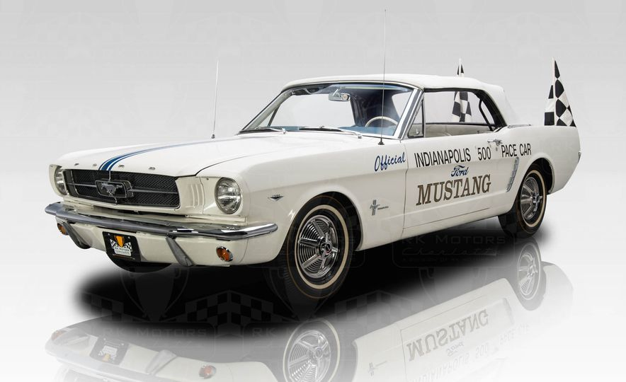 1964.5 Ford Mustang Indianapolis 500 pace car - Slide 1