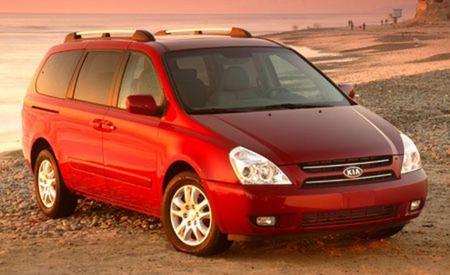 Kia Recalls 220,000 Sedona Minivans for Hood Latches