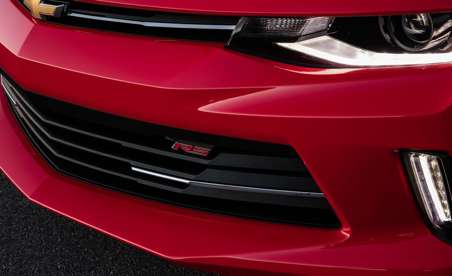2016 Chevrolet Camaro RS - Slide 16