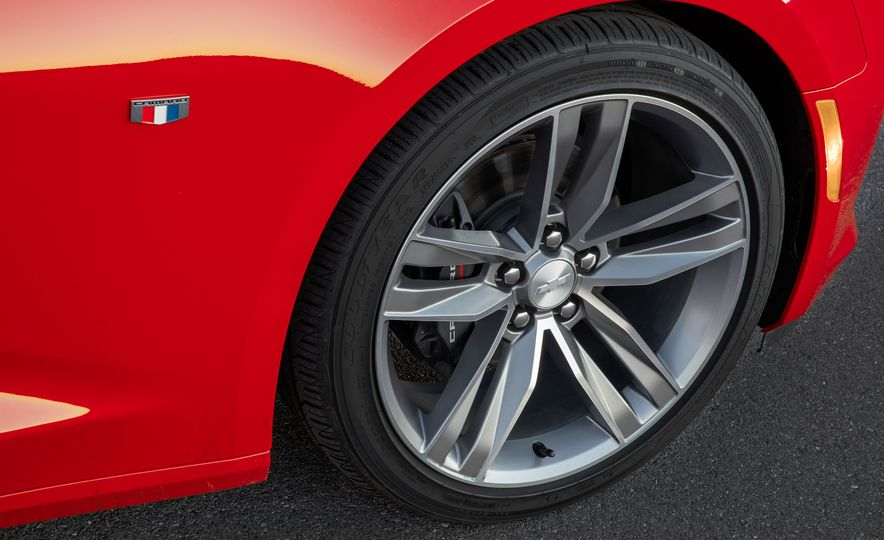 2016 Chevrolet Camaro RS - Slide 17