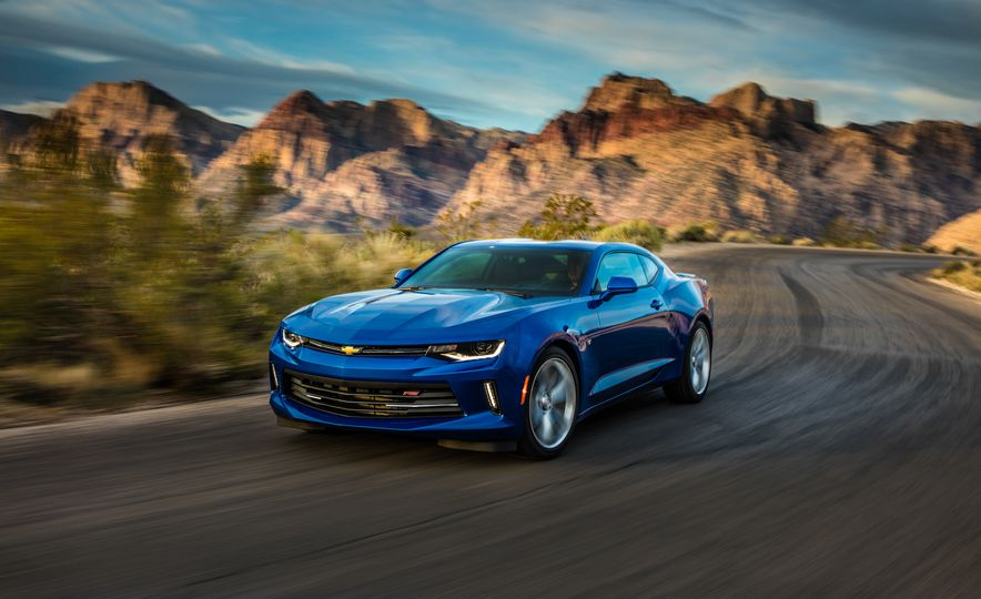 2016 Chevrolet Camaro RS - Slide 24