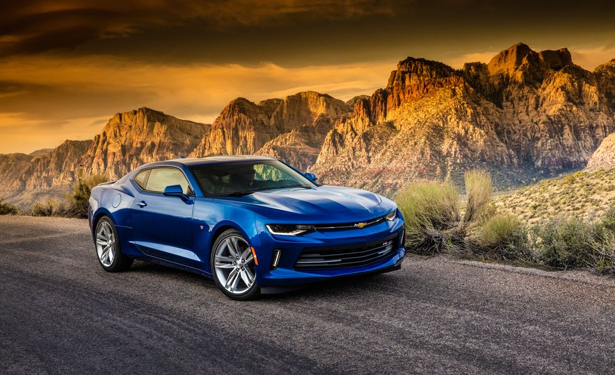 2016 Chevrolet Camaro RS - Slide 27