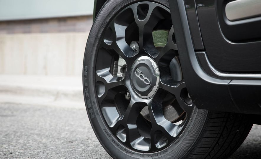 2016 Fiat 500L - Slide 18