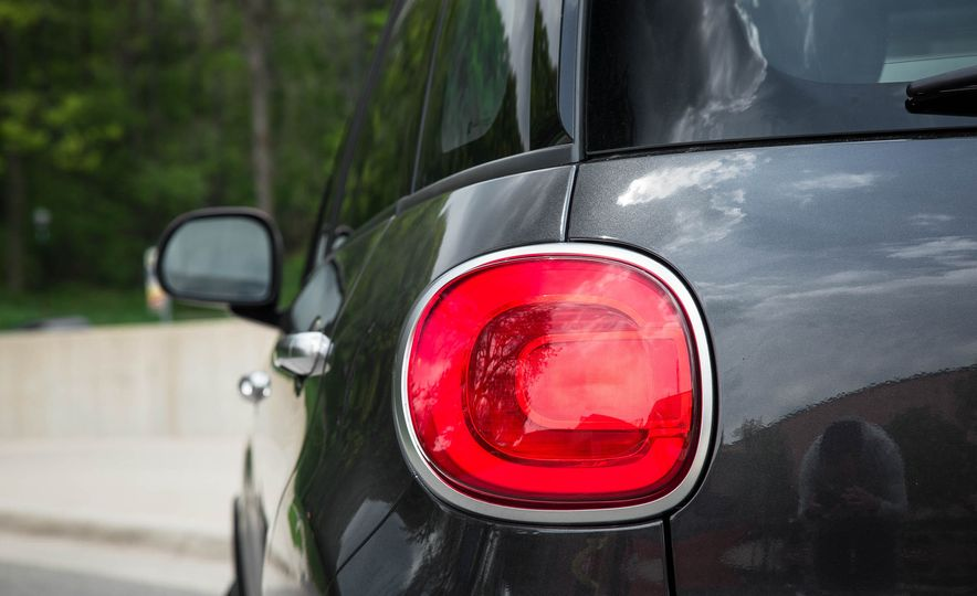 2016 Fiat 500L - Slide 21