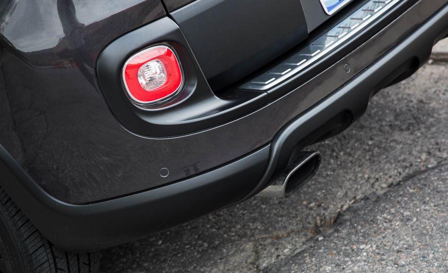 2016 Fiat 500L - Slide 23