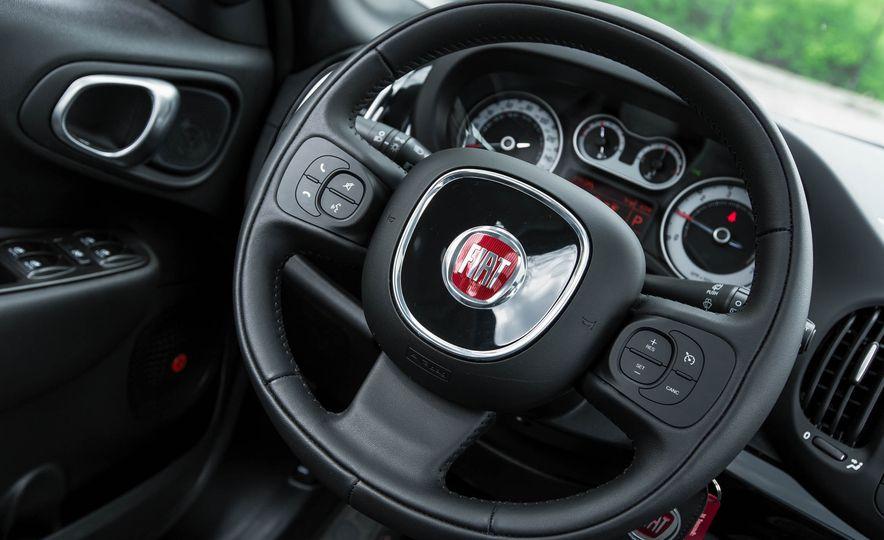 2016 Fiat 500L - Slide 34