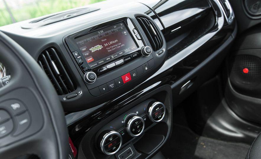 2016 Fiat 500L - Slide 36