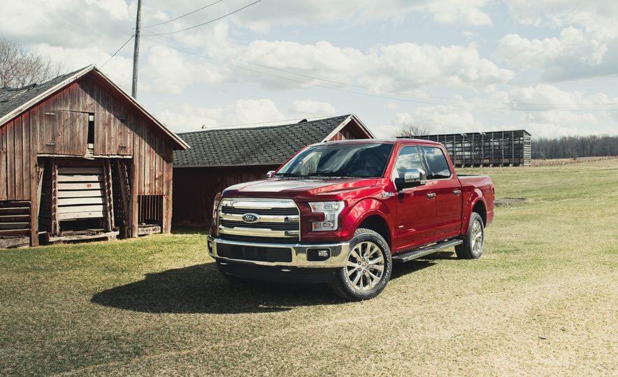 2016 Ford F-150 5.0L V-8 4x4 and F-150 3.5L EcoBoost 4x4 - Slide 4