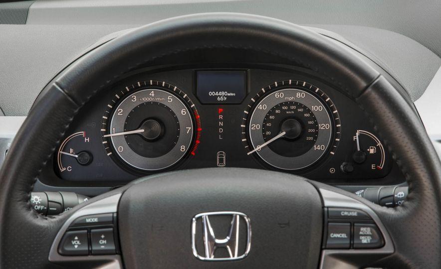 2016 Honda Odyssey Touring Elite - Slide 19