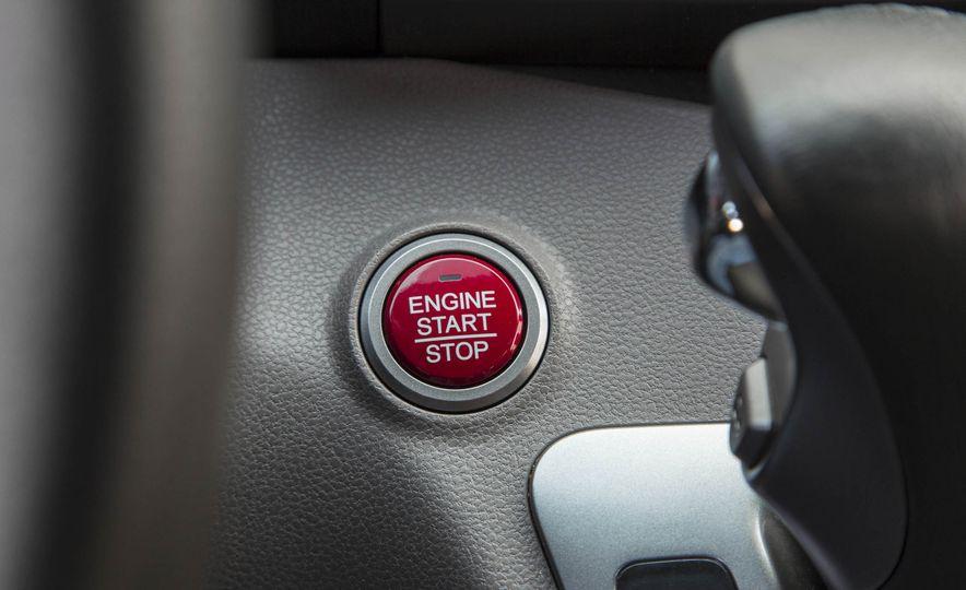 2016 Honda Odyssey Touring Elite - Slide 21