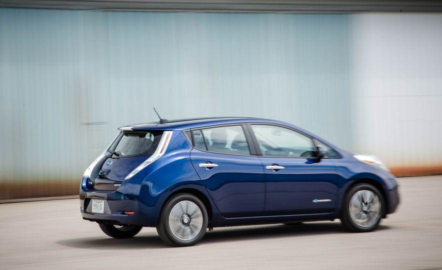 2016 Nissan Leaf - Slide 8