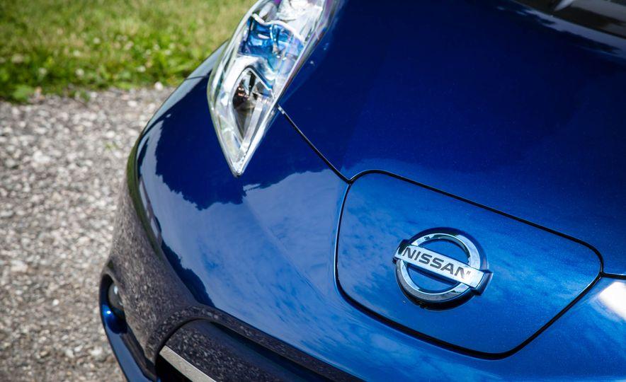 2016 Nissan Leaf - Slide 14