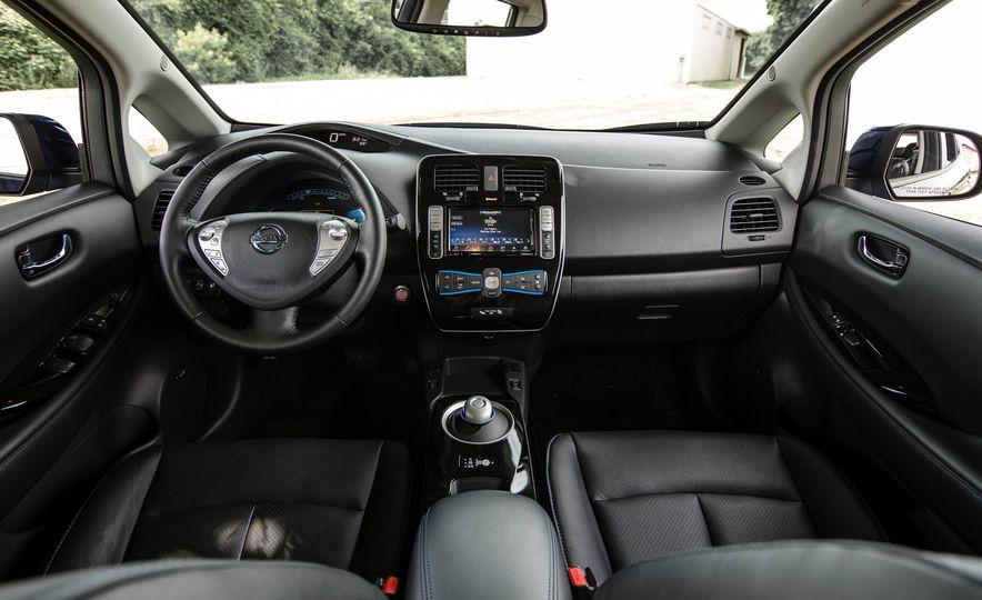 2016 Nissan Leaf - Slide 28