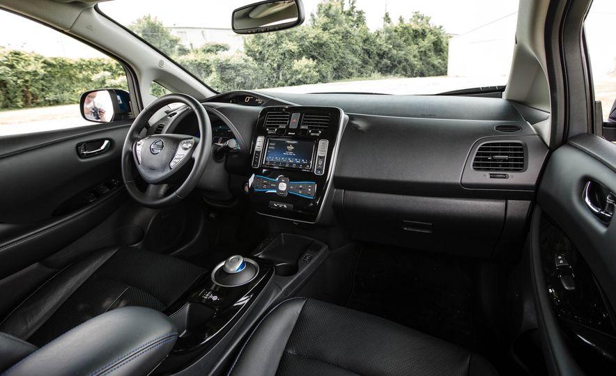 2016 Nissan Leaf - Slide 29