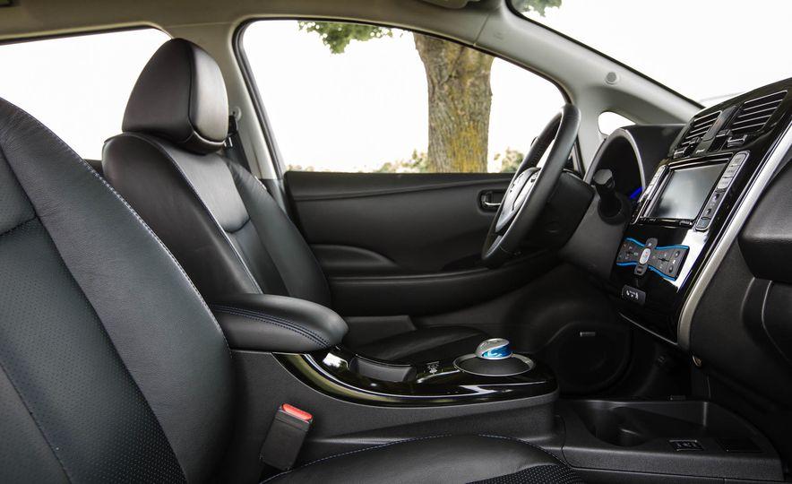 2016 Nissan Leaf - Slide 30