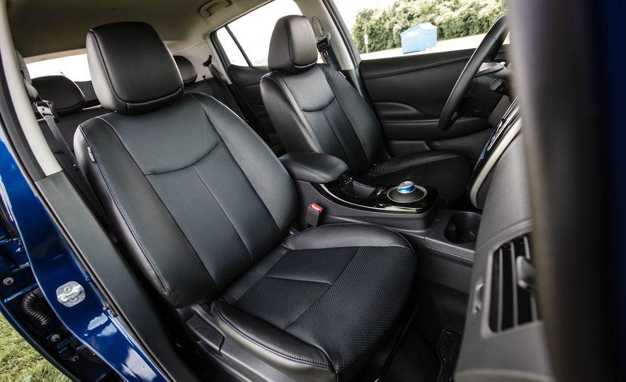 2016 Nissan Leaf - Slide 32