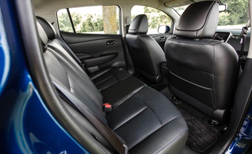 2016 Nissan Leaf - Slide 33