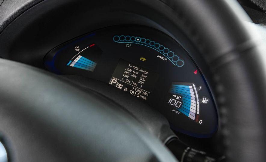 2016 Nissan Leaf - Slide 38