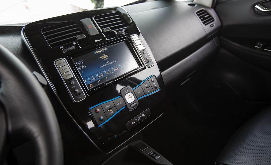 2016 Nissan Leaf - Slide 41