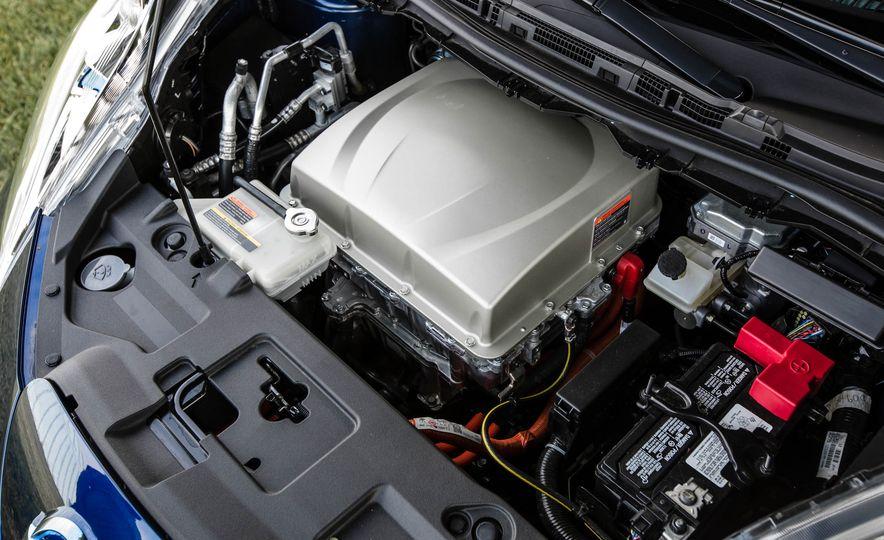 2016 Nissan Leaf - Slide 49