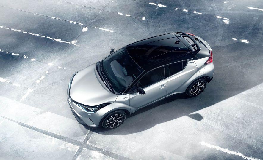 2016 Toyota C-HR - Slide 9
