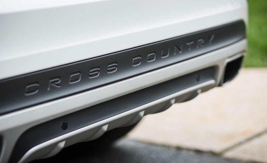 2016 Volvo V60 Cross Country - Slide 23