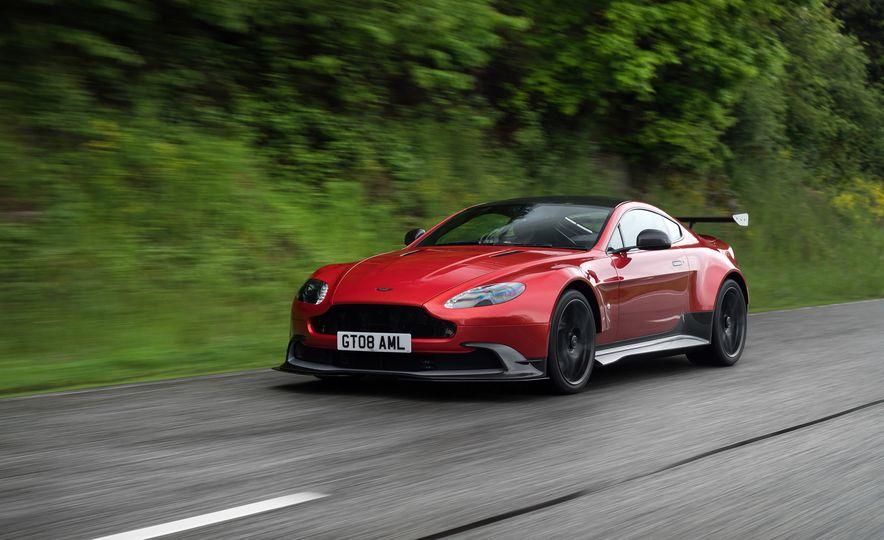 2017 Aston Martin Vantage GT8 - Slide 7