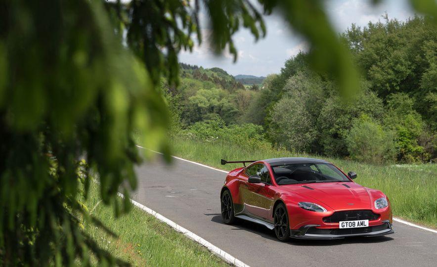 2017 Aston Martin Vantage GT8 - Slide 13