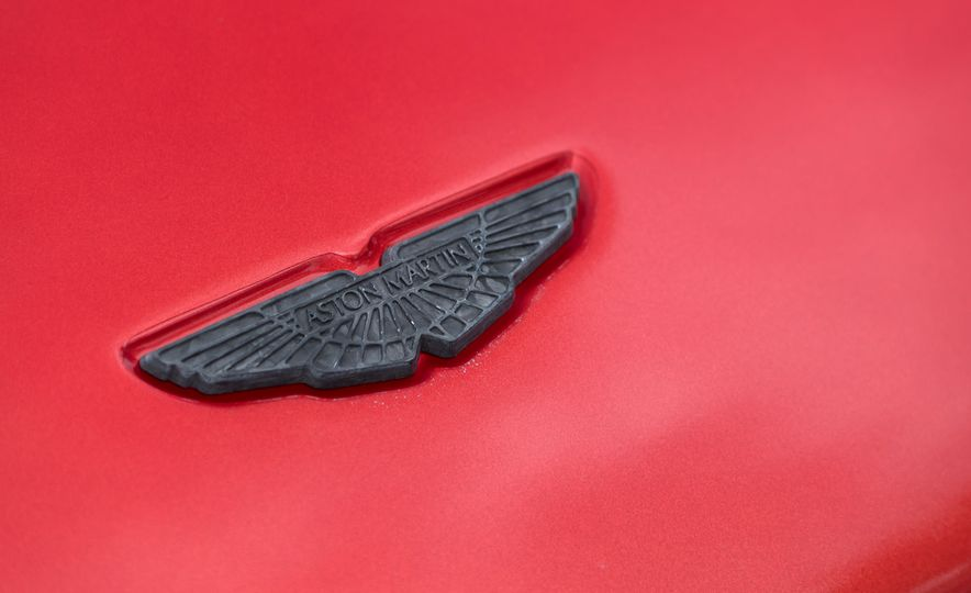 2017 Aston Martin Vantage GT8 - Slide 22