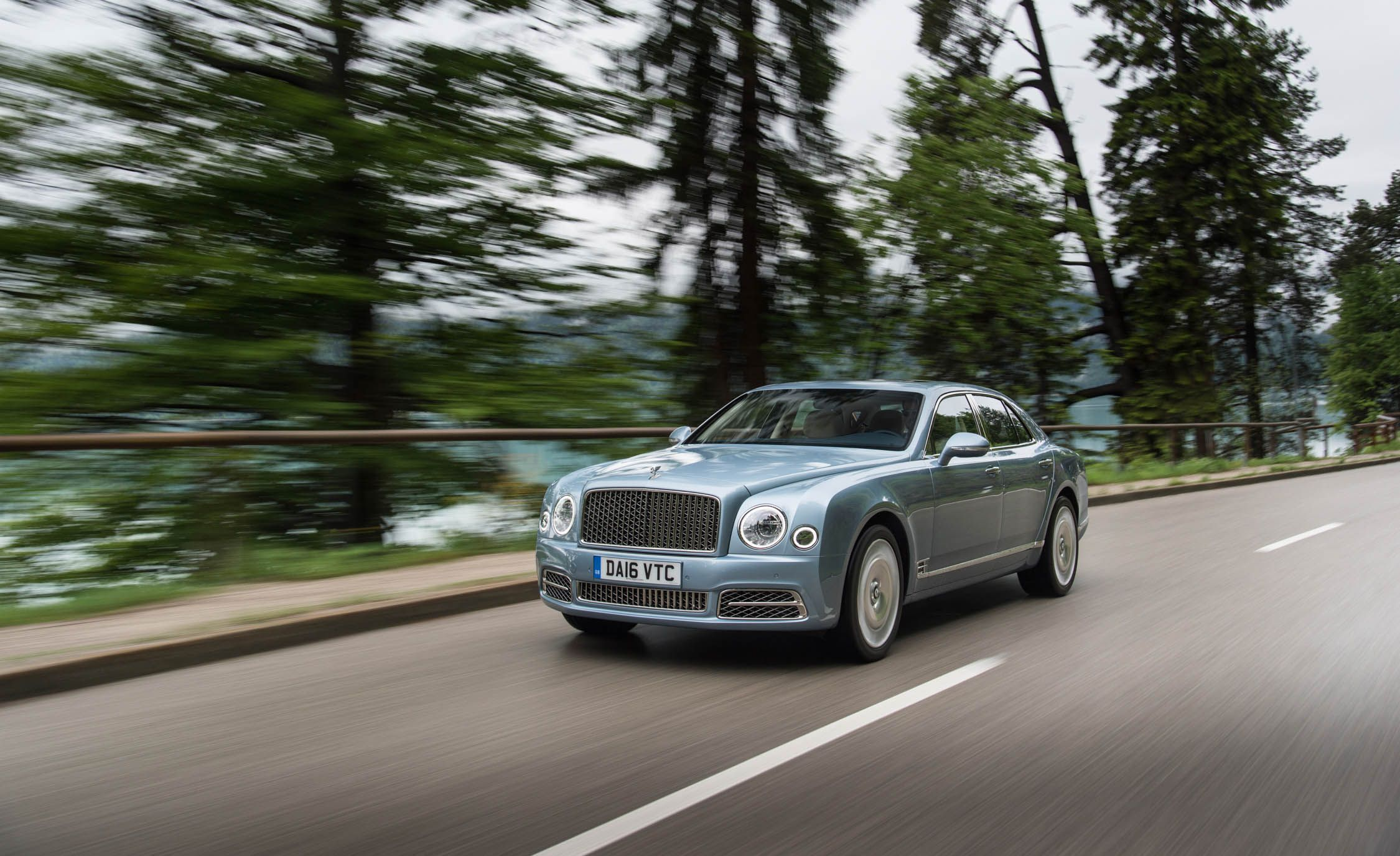 express rover bentley price bentayga cars vs of auto twin range