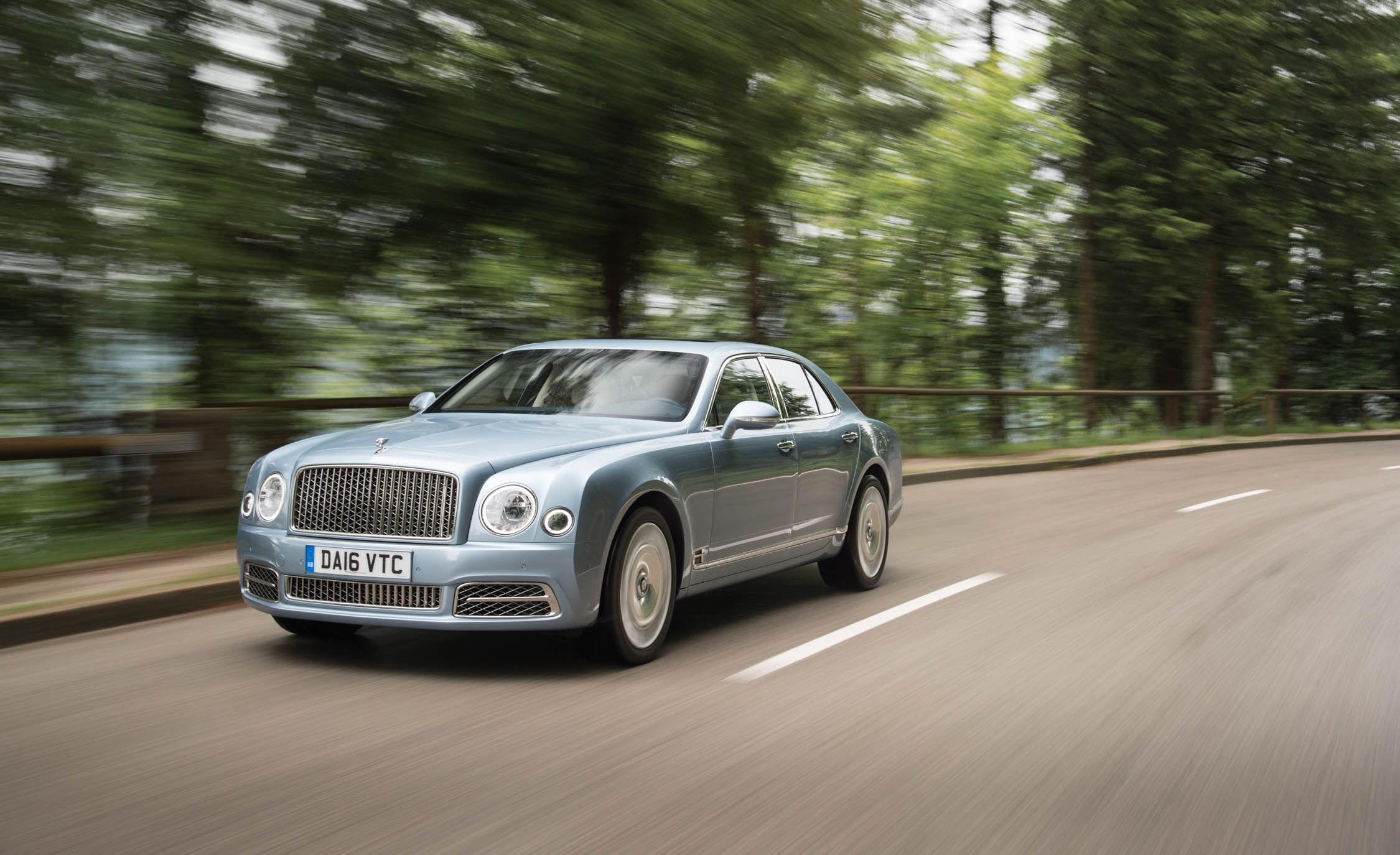 a drive is reviews bentley speed first how mulsanne much